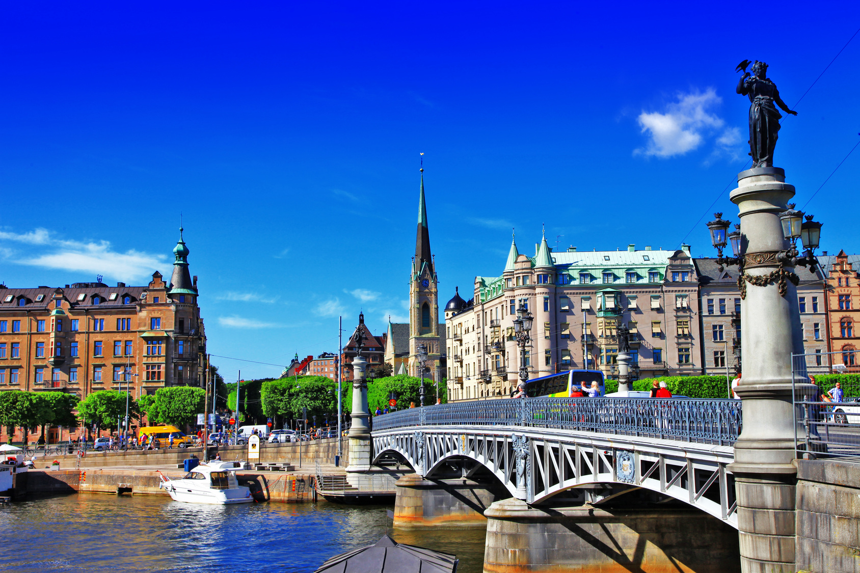 Stockholm Panoramic Tour With Airport Transfer Tallinn Tours - Stockholm tours from cruise ships